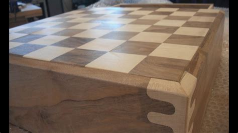 Making the wooden chess set - YouTube