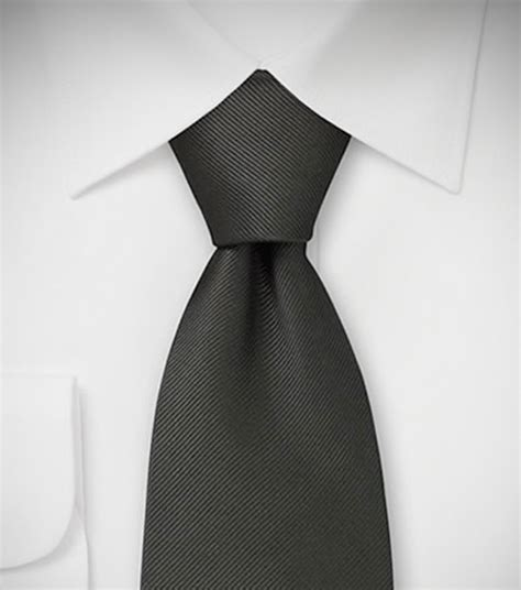 How to Tie a Tie: Eight Knots to Know – Parisian Gentleman