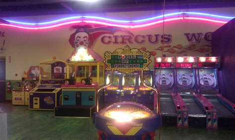 Hillwood Circus World - Strike and Spare Family Fun Center